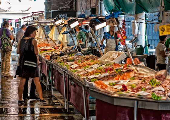 mercato del pesce di Rialto Venezia