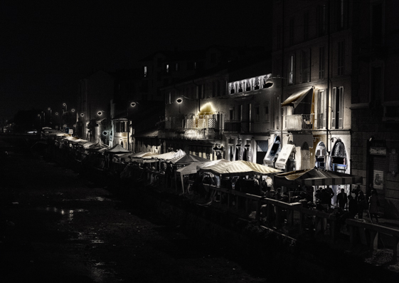 Naviglio Grande fashion for travel