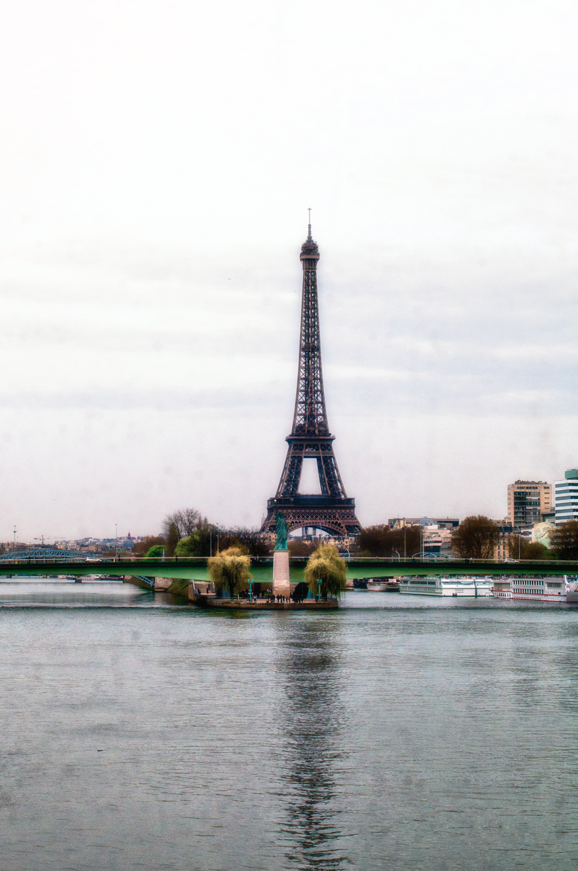 torre statua-studiotomelleri statua della libertà a parigi