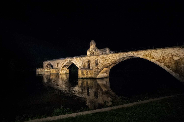 avignone-studiogabriotomelleri- Avignone vista di notte